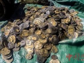 哥伦比亚称发现三百年前沉船 或藏大批金银珠宝