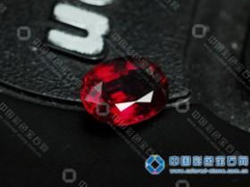 鸽血红--红宝石极品之色