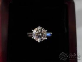 璀璨的钻石 为爱锦上添花