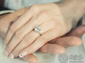 爱情邂逅钻石,见证爱的美妙