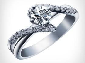 结婚钻戒三百年的浪漫传奇