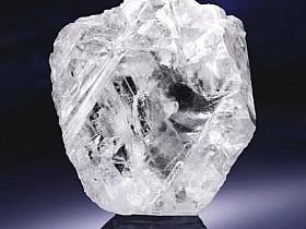 全球第二大钻石以天价5300万美元卖出!你能猜出有多大吗?
