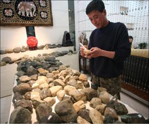 揭秘10年赌石鉴定经验技巧-让您火眼金睛看原石!从此不再上当!