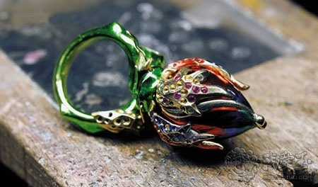 揭秘Dior高级珠宝的精致工艺
