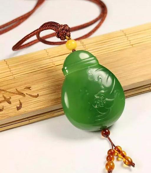 中国雕刻设计大师玉侠崔涛说各种绿色的和田玉