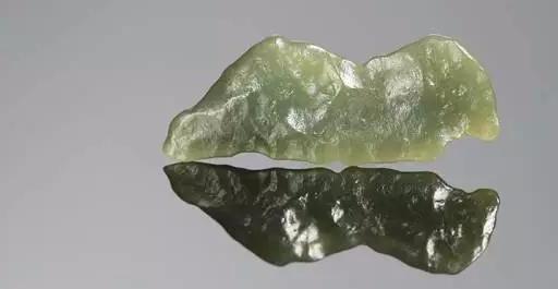 中国雕刻大师玉侠崔涛说戈壁料与戈壁玉的不同